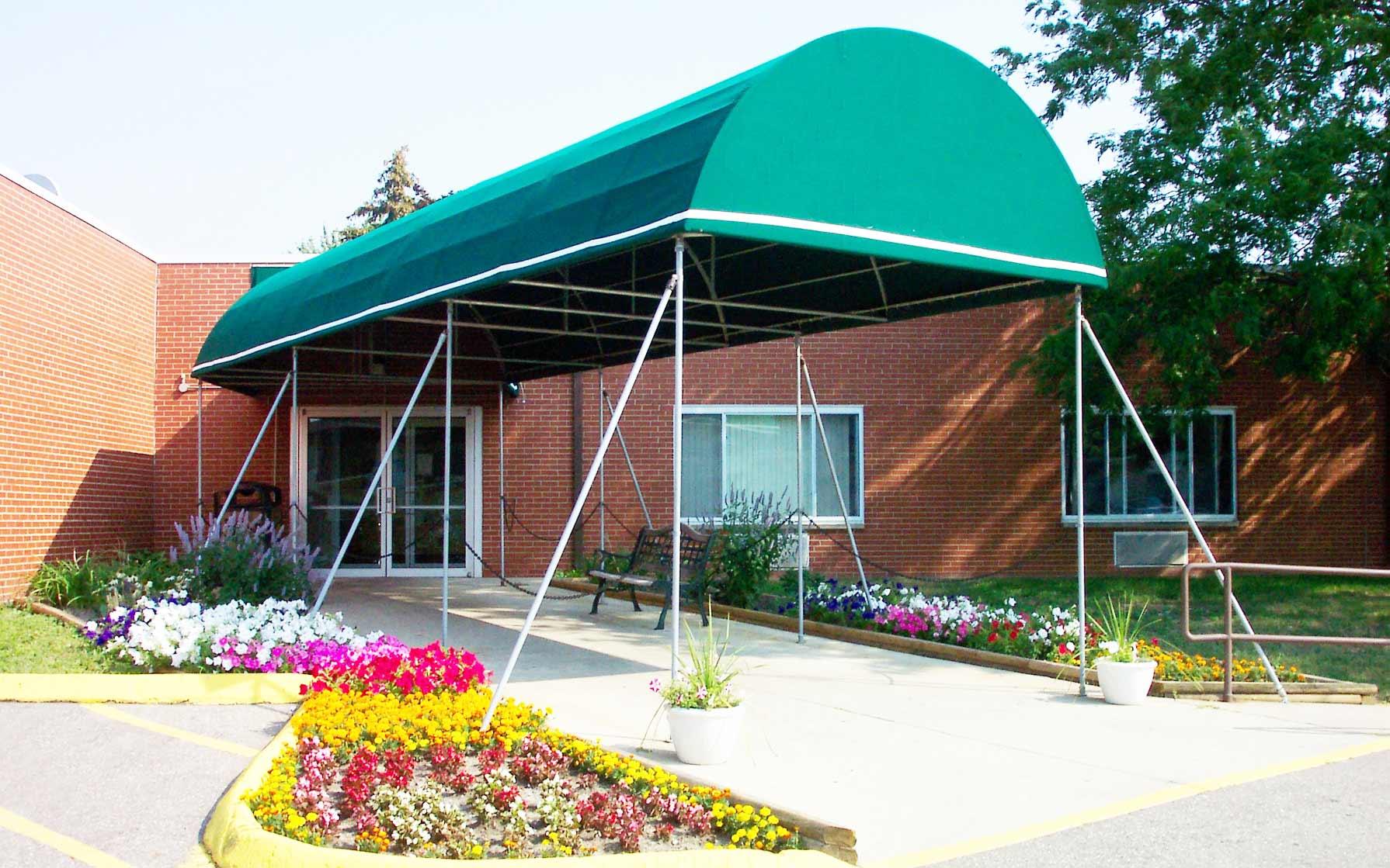 LakePointe Senior Care & Rehab Center | NexCare Managed
